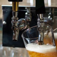 https://indoor360.com/wp-content/uploads/2014/04/slider_creekside_beer-tap.jpg
